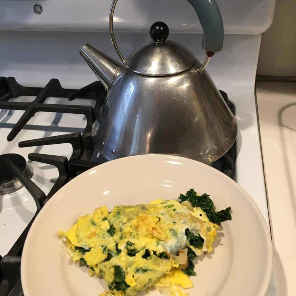 Kale omelet with garlic and chile arbol.
