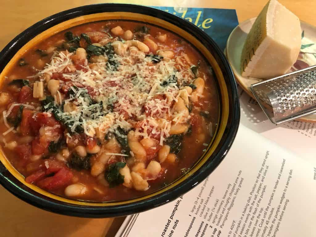 Tuscan Kale Stew with Cannellini Beans (1)